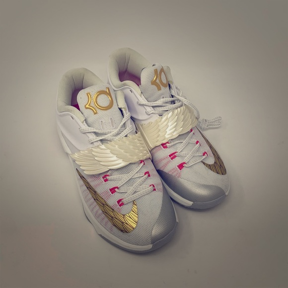 detailed look ea26e a96ec Exclusive Nike KD 7 PRM Aunt Pearl